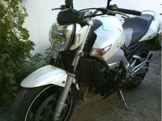 PoulaTo: SUZUKI GSR 600 (all versions) '04
