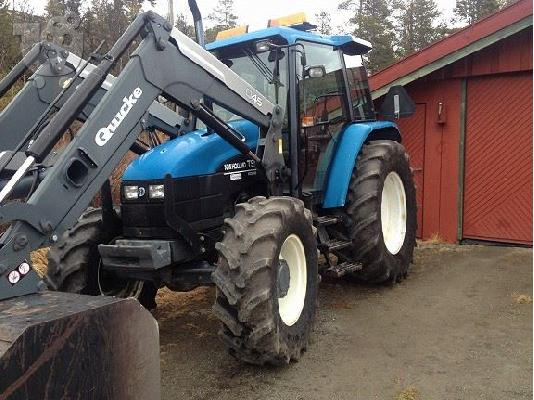 PoulaTo: 2003 New Holland TS 110